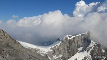 Wolkenstimmung am Gipfel