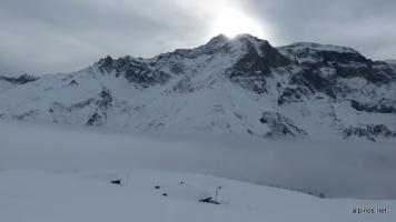 noch hängen die Wolken an den Berggipfeln