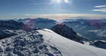 Auf dem Gipfel - Blick nach Osten